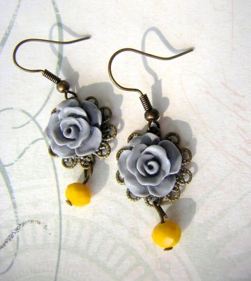 Vintage Rose Earrings - Gray and Mustard