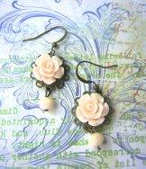 Vintage Rose Earrings - Ivory